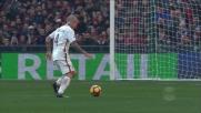 Tiro a lato di Nainggolan in zona goal contro il Genoa