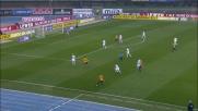 Skorupski con una parata d'istinto ferma il tentativo di Luca Toni