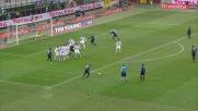 Ujkani blocca la punizione di Sneijder