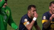 Un fallo di mano in area di Maietta procura un rigore alla Fiorentina