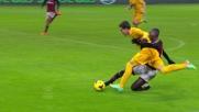 Un tackle di Zapata nei pressi della porta rossonera ferma Martinho lanciato a rete