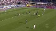 Masiello contro il Genoa anticipa tutti e tenta il goal da centrocampo