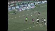 Rivaldo colpisce il palo su rigore a San Siro