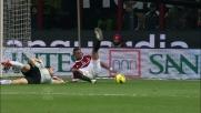 Brkic in uscita travolge Boateng ed il Milan beneficia di un calcio di rigore