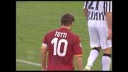 Grande tiro dalla distanza di Totti, Handanovic para col pungo nega il goal alla Roma