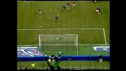 Dida salva un goal nel derby di Milano parando la conclusione di Veron