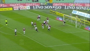 Zapata contrasta fallosamente Ranegie in area: l'arbitro lo espelle e assegna il rigore all'Udinese