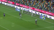 Zapata tutto solo davanti a Tatarusanu calcia fuori e grazia la Fiorentina