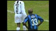 Wome travolge Barreto in area e causa un rigore in favore dell'Udinese