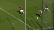 Kucka ferma fallosamente Giovinco nell'area del Genoa causando un rigore per il Parma