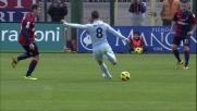 Agazzi respinge il tiro-cross di Hernanes che sfiora il gran goal