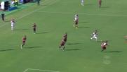 Sinistro potente di Falcinelli, palla alta in Cagliari-Crotone