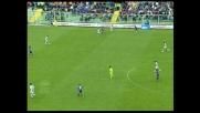 Toni si libera e scarica il sinistro sotto la traversa, sorpasso della Fiorentina
