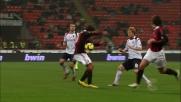 Pallonetto in mezzo a due e passaggio no-look, super Ronaldinho contro il Cagliari