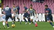 Tacco no look per Hamsik nel match con l'Udinese al San Paolo