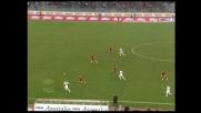 Doni esce in tackle su Rocchi nel derby di Roma