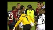Cirillo stende Suazo lanciato a rete: rigore per il Cagliari