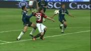Zanetti strattona Cassano in area, rigore solare nel derby per il Milan