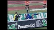 Zidane segna e...cade su un cartellone pubblicitario a Udine
