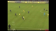 Samuel in tackle contrasta in maniera efficace Semioli in Chievo-Inter